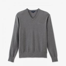 Pull gris à col V en tricot de coton texturé