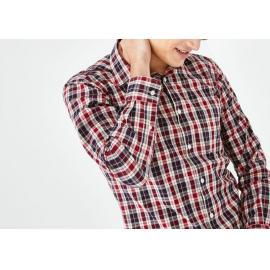 Chemise slim fit rouge en coton à carreaux.